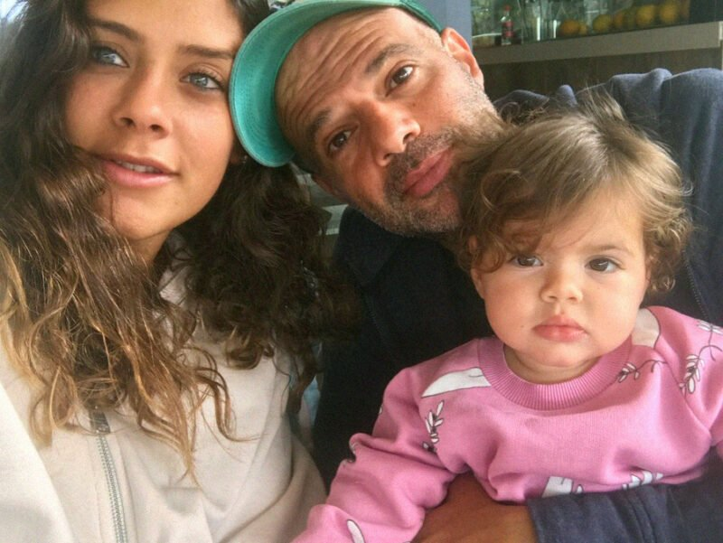 ali ali with his family